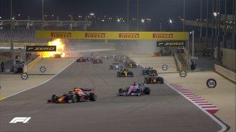 Hamilton győzött, kis híján tragédiába torkollt a bahreini futam egy szörnyű baleset miatt