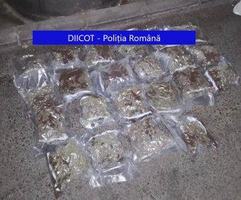 Jelentős mennyiségű kábítószert találtak a rendőrök egy Kolozs megyei razzia során