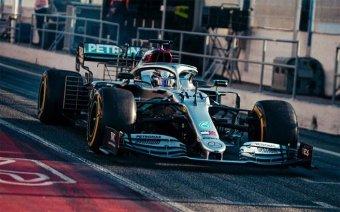 Hetedszer is befutott: Lewis Hamilton vb-címekben is beérte a legendás Michael Schumachert