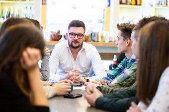 Az autonómia kevés hívószónak: Oltean Csongor RMDSZ-es képviselőjelölt szerint meg kell találni a fiatalos kommunikáció útját