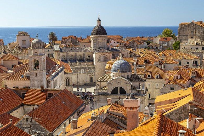 Új feltételek mellett utazhatunk Horvátországba, a fertőzésen átesetteknek elég egy oltás is
