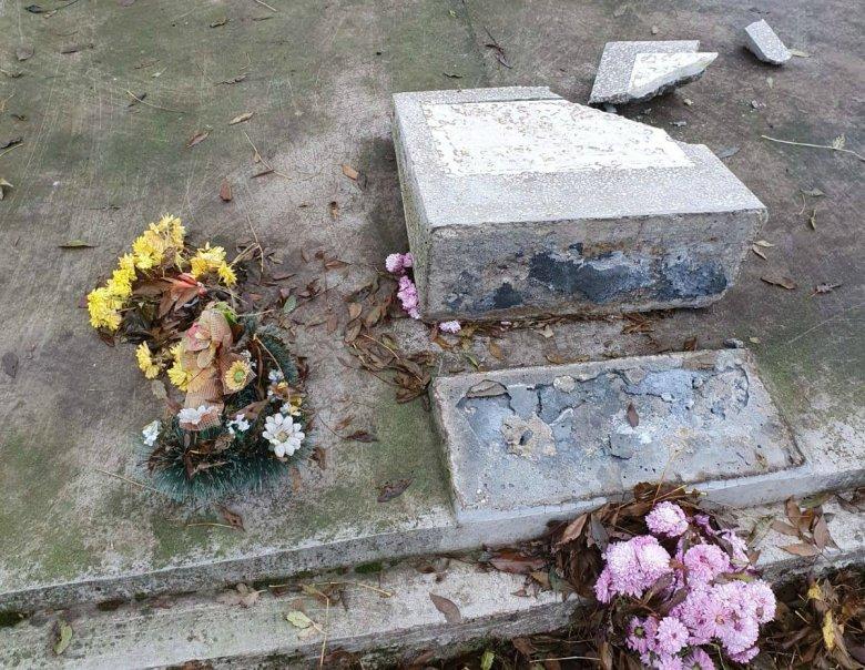 Kiskorúak gyalázhatták meg az Arad megyei református temetőt