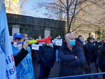 Bukarestben tart tiltakozó megmozdulást az Alfa Kartell, méltányos minimálbért és nyugdíjakat követelnek