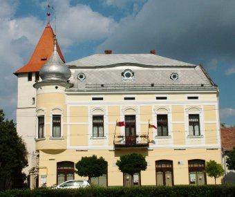 Nyár végére várható a megújuló nagyszalontai Arany-palota átadása