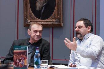 Művészek az élet körhintáján – Nánó Csaba új kötetét mutatták be a vallásszabadság házában