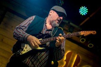 Ínyencségek bluesszal fűszerezve: a tusnádfürdői fesztiválon neves hazai és külföldi előadóművészek lépnek színpadra
