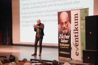 Mindenki függ valamitől – Zacher Gábor toxikológus kolozsvári előadásán jártunk
