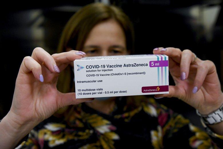Még vizsgálja az AstraZeneca oltóanyagát az Európai Gyógyszerügynökség