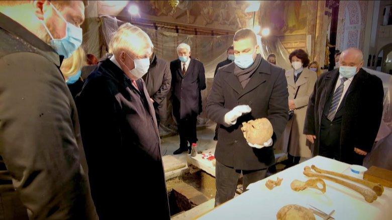 Feltárták Hunyadi Mátyás fiának és unokájának sírját, cél a király csontjainak azonosítása és újratemetése