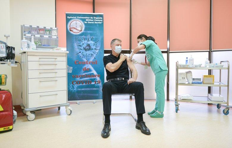 Iohannis kötelezővé tenné az oltást az egészségügyben: nem normális, hogy egyes orvosok oltásellenesek