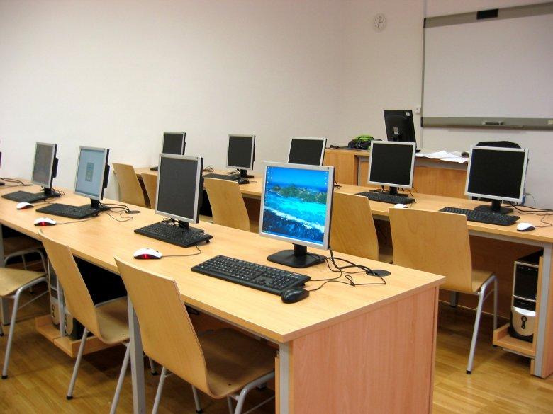 Erdély több városában indít képzést fiataloknak a Mathias Corvinus Collegium