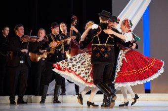 A kincses Felvidéktől a kolozsvári piactérig – a szomszéd népek táncai és zenéi is helyet kapnak a Kárpát-medence antológiában