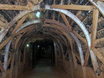 Több mint száz Zsil-völgyi bányász nem hajlandó feljönni a mélyből, így tiltakoznak amiatt, hogy késik a fizetésük