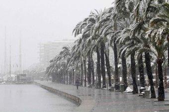 Katasztrófa sújtotta területté nyilvánítanak nyolc spanyol tartományt a rendkívüli havazás miatt