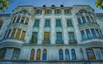 Újabb kísérletet tett az Ullmann-palota felújítására a nagyváradi önkormányzat