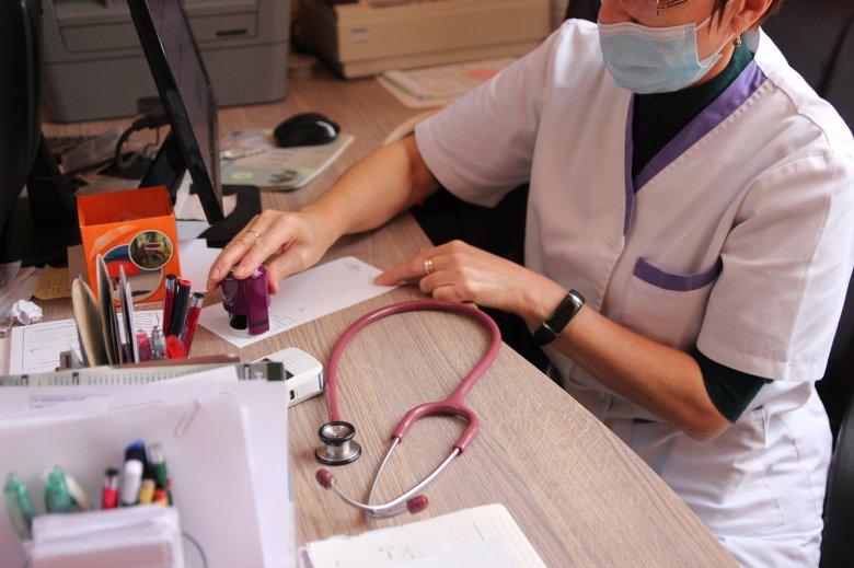 Kétszáznál több romániai vidéki településen nincs háziorvos, erdélyiek is szép számban vannak köztük