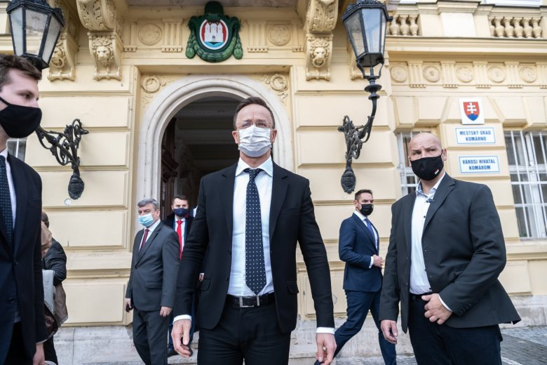 Bekérették a szlovák külügybe a magyar nagykövetet Szijjártó kettős állampolgárságról szóló kijelentése miatt