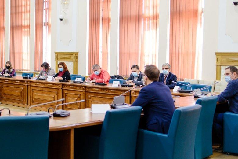 Beperelték a temesvári polgármesteri hivatalt a városházi alkalmazottak