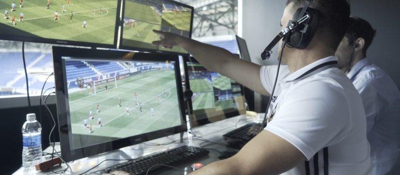 Kifütyüli egymást a román fociszövetség és a labdarúgóliga a videóbíró bevezetése körüli perpatvarban