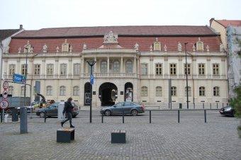 Pluszpénz a Bánffy-palota homlokzat-felújítására: büdzsékiigazításról döntött a Kolozs Megyei Tanács