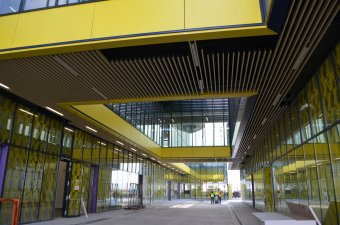Célegyenesben a brassói reptér, megépült az utasterminál