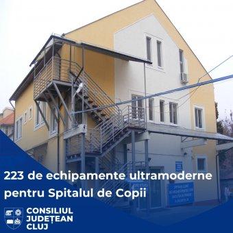 Koronavírusos gyerekeken segíthet a Kolozsvárra érkező, több millió lej értékű orvosi felszerelés