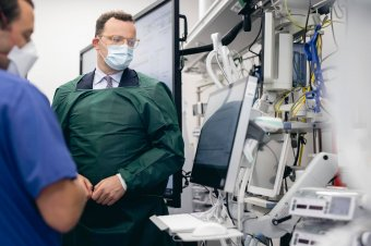 """Teljesítőképessége határához érkezhet a német egészségügyi ellátórendszer, alkalmazzák a """"vészfékrendszert"""""""