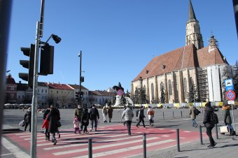 Hat ezrelékre nőtt a fertőzöttségi ráta Kolozsváron – Bukarestben is elkerülnék a karantént