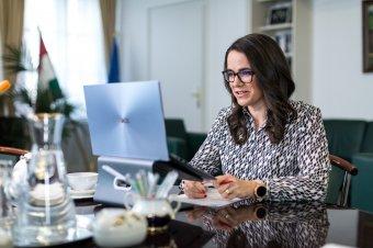 """Novák Katalin: a Fidesz kilép az Európai Néppártból, """"már nem jobboldali párt, ezt mi tudomásul vesszük"""""""