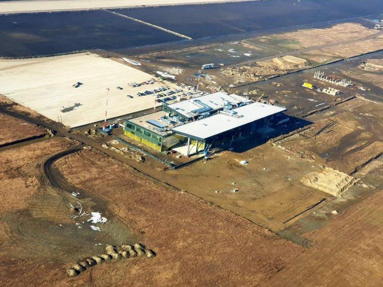 Szerződésbontás késlelteti az épülő brassói reptér befejezését