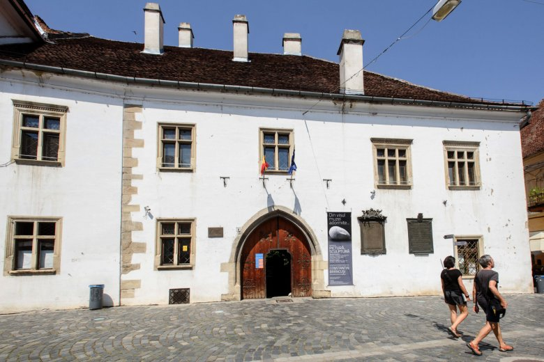 Véget érhet a Mátyás király szülőházával kapcsolatos huzavona, restaurálják a műemlék épületet