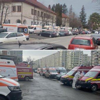 Sokkoló képeket közölt az egészségügyi miniszter a Covid-kórházak előtt sorban álló mentőautókról