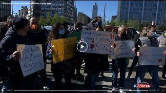 Rómában összecsaptak a rendőrökkel a zárlat ellen tüntető kereskedők, vendéglátók