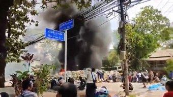 Többen meghaltak, amikor tüzet nyitott a tüntetőkre a mianmari katonahatalom