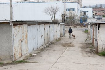 """Mégsem egyszerű a """"nagy garázsbontás""""? – Közel tízezer építményt dózeroltatnának le Kolozsváron"""
