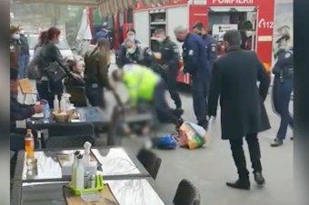 Őrizetbe vették a két rendőrt, akinek beavatkozása nyomán megfulladt egy férfi Piteşti-en