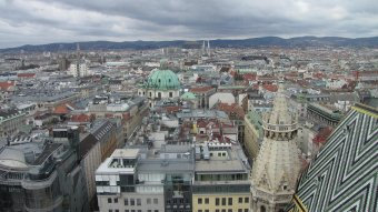 Bécsben a kórházak intenzívkapacitásának fenyegető túlterheltsége miatt meghosszabbítják a tervezett húsvéti zárlatot