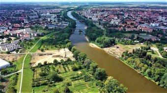 Mérsékelten elégedettek a szatmári magyarok a város fejlődésével, fontos az anyanyelvhasználat