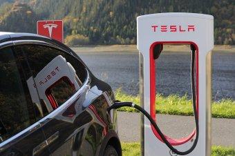 Erdélyben is teret hódít a Tesla