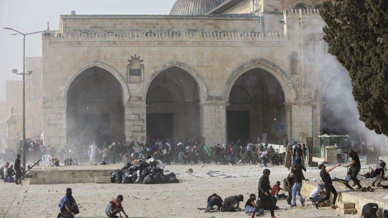 """A Hamász ultimátumának lejárta után rakétákat lőttek Jeruzsálem irányába, """"hosszú éjszakára"""" készülnek az izraeliek"""