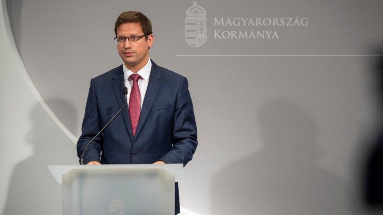 Gulyás Gergely: a magyar állam továbbra is csak a Magyarországon beoltottaknak ad védettségi igazolványt