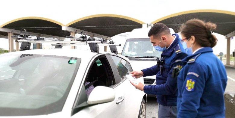 Péntektől már csak uniós Covid-igazolvánnyal kerülhetik el a karantént a külföldre utazók