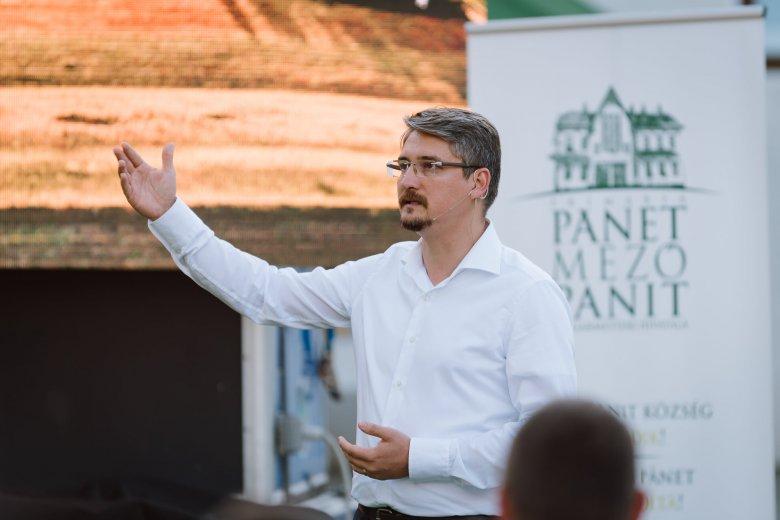 Mezőpanit nem vált Marosvásárhely alvóvárosává – Bodó Előd Barna polgármester a rendezettség titkáról