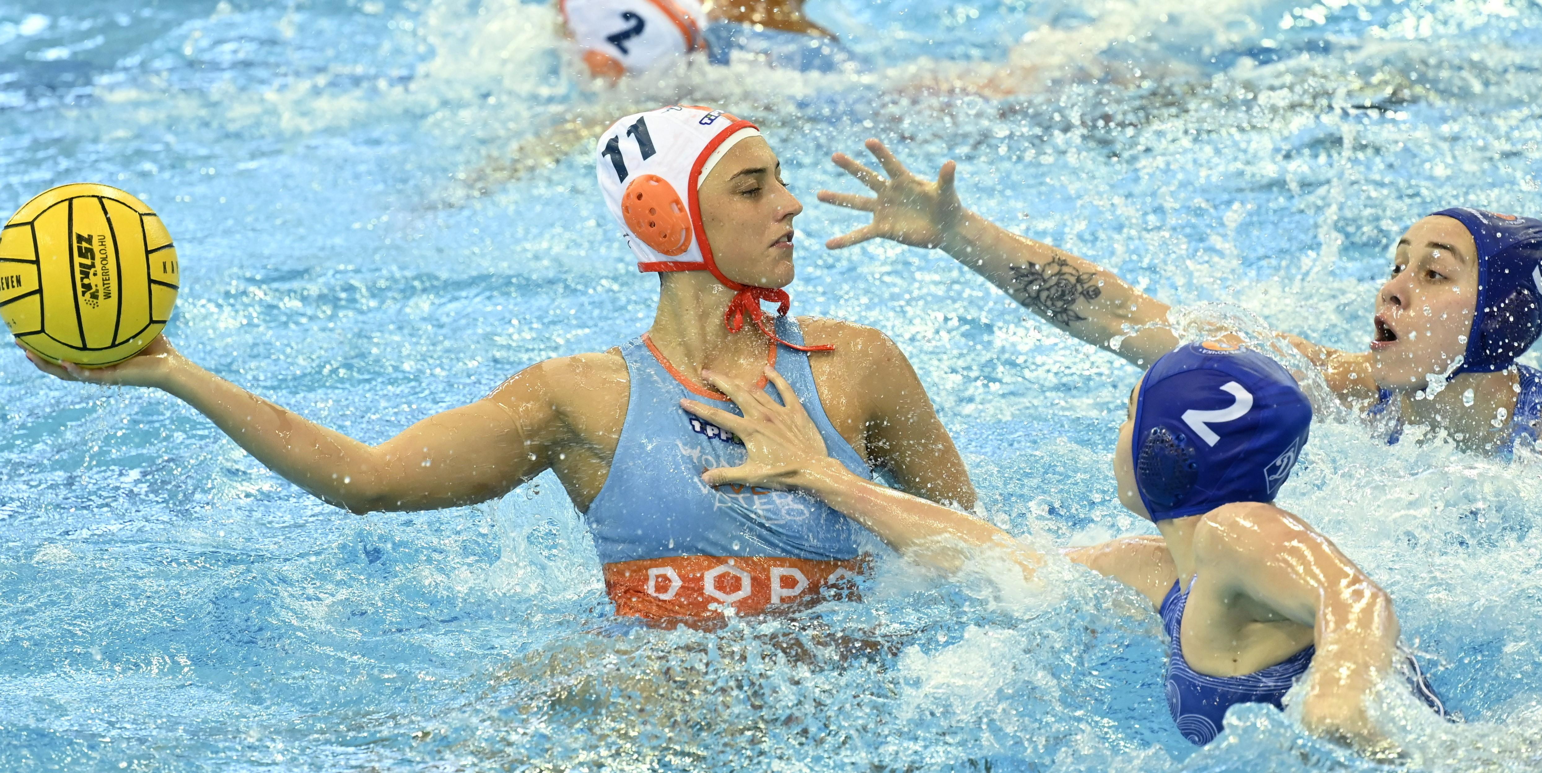 A két magyar csapat közül az egyik jutott döntőbe a női vízilabda Euroligában