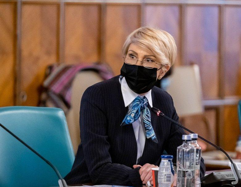 """A szegénység """"újratermelődése"""" fölött kesergett a román munkaügyi miniszter a munka ünnepén"""