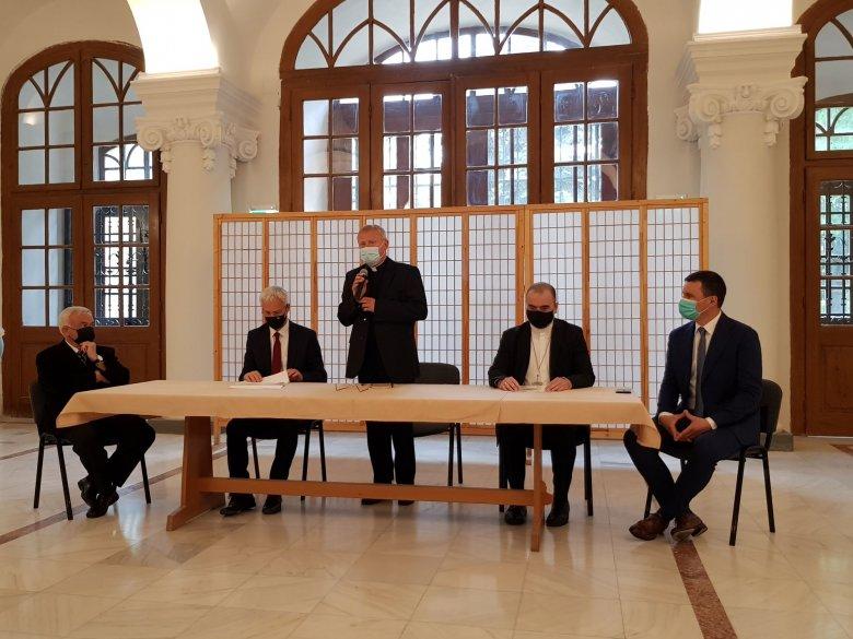 Erdélyi templomfelújítási program a megmaradásért: több mint 3 milliárd forintos támogatást nyújt a magyar kormány