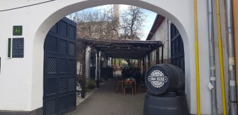 Omlós sertésoldalas nagyenyedi módra: a dél-erdélyi városka régi varázsát idézi fel étteremmustránk új állomása
