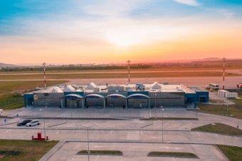 Uniós pénzekből korszerűsítenék a külföldi járatokra váró nagyváradi repülőteret