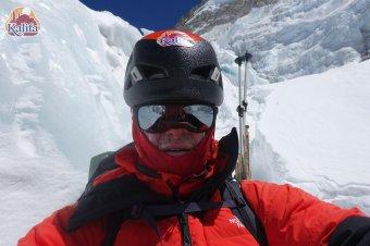 """A halálzóna kapujában: a váradi Varga Csaba egy hét múlva indulhat a """"tiszta"""" csúcstámadásra az Everesten"""