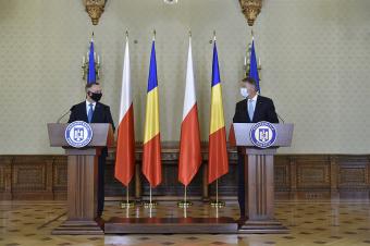 Iohannis és a Bukarestbe látogató lengyel államfő egyetért a NATO elrettentő szerepének erősítésében